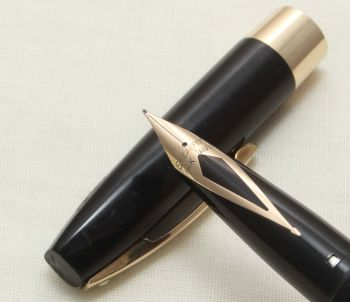 9302 Sheaffer Imperial Touchdown Fountain Pen in Black with Gold Filled trim, Smooth Medium FIVE STAR Nib.