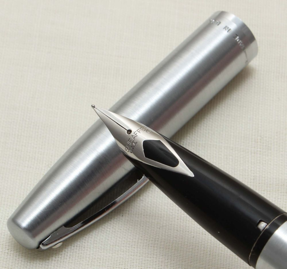 9307 Sheaffer Imperial Fountain Pen in Brushed Stainless Steel, Smooth Medi