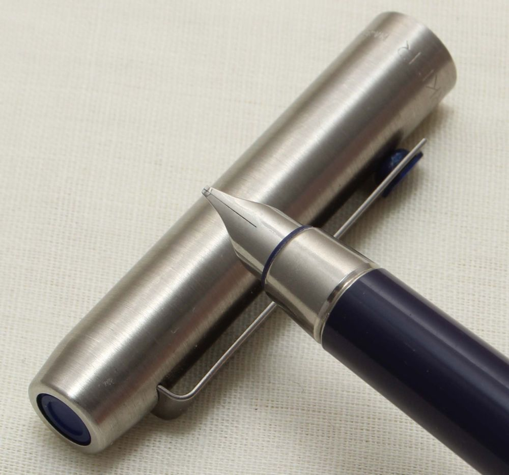 9328 Parker 25 Fountain Pen, Finished in brushed Stainless Steel, Smooth Me
