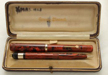 9396 Rare and Early Conway Stewart No.829M Dandy Fountain Pen and Propelling Pencil Set in Woodgrain. Superb Fine Semi flex FIVE STAR nib. Mint and Bo