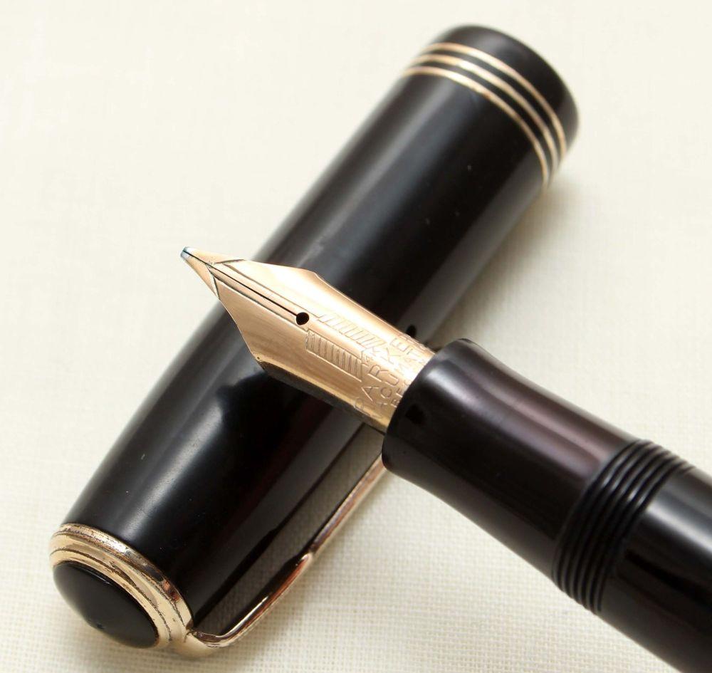 9350 Parker Vacumatic Major Fountain Pen in Classic Black, Broad Side of Me