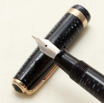 9351 Parker Vacumatic Fountain Major Pen in Azure Blue, Medium Semi Flex FIVE STAR Nib.