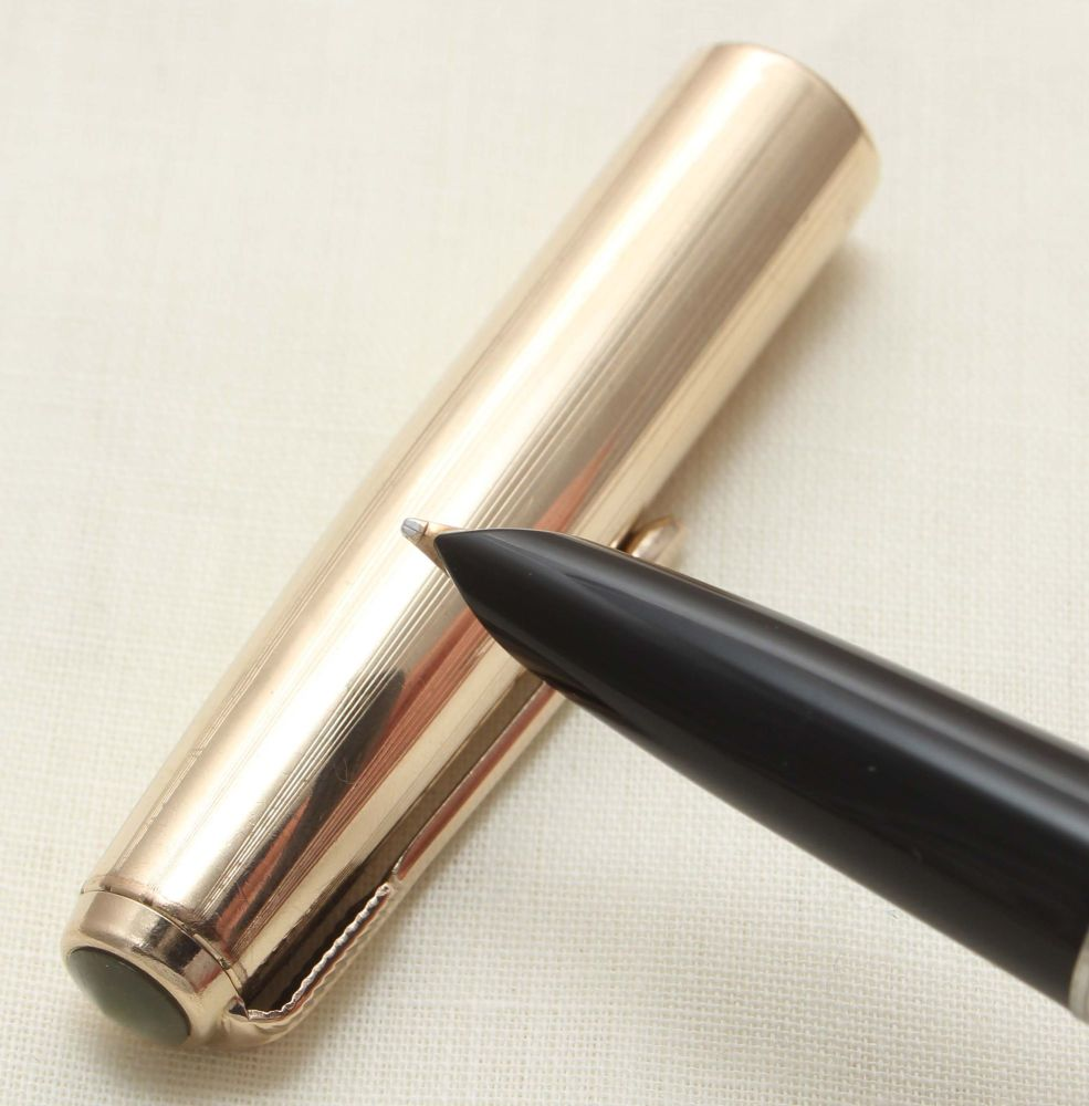9357 Parker 51 Aerometric in Black with a Rolled Gold Cap. Broad FIVE STAR