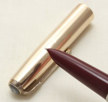 9362. Parker 51 Aerometric in Burgundy with a Rolled Gold Cap, Smooth Fine Nib.