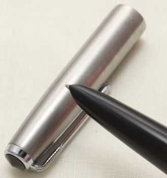 9371 Parker 51 Aerometric in Black with a Lustraloy Cap, Smooth Broad FIVE STAR Nib.
