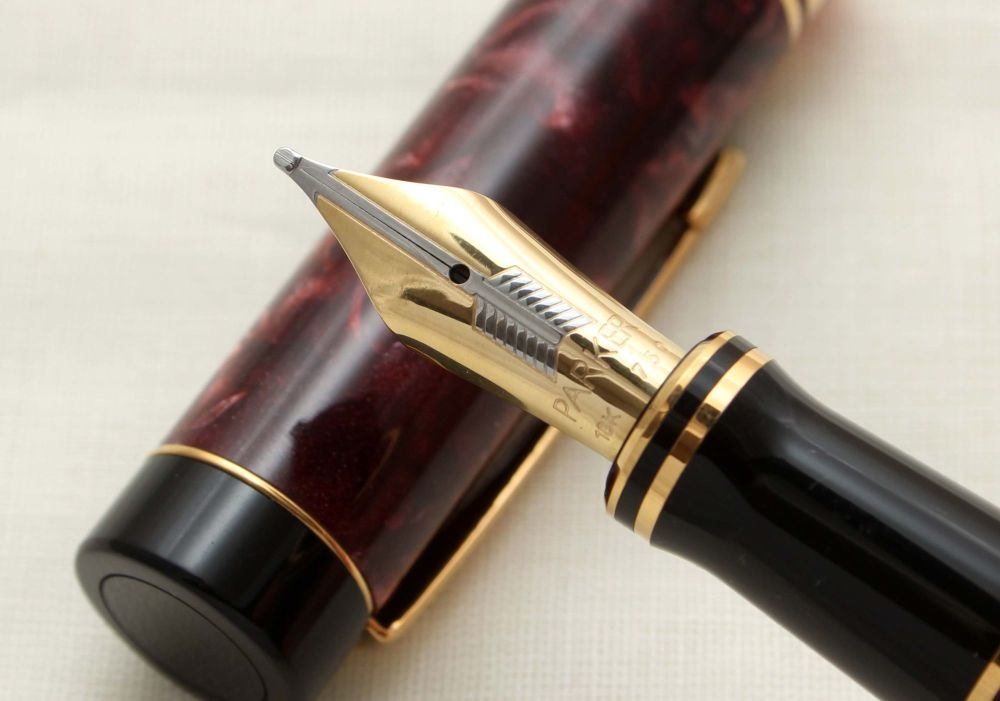 9385 Parker Duofold Centennial Fountain Pen in Burgundy Marble,  Broad FIVE