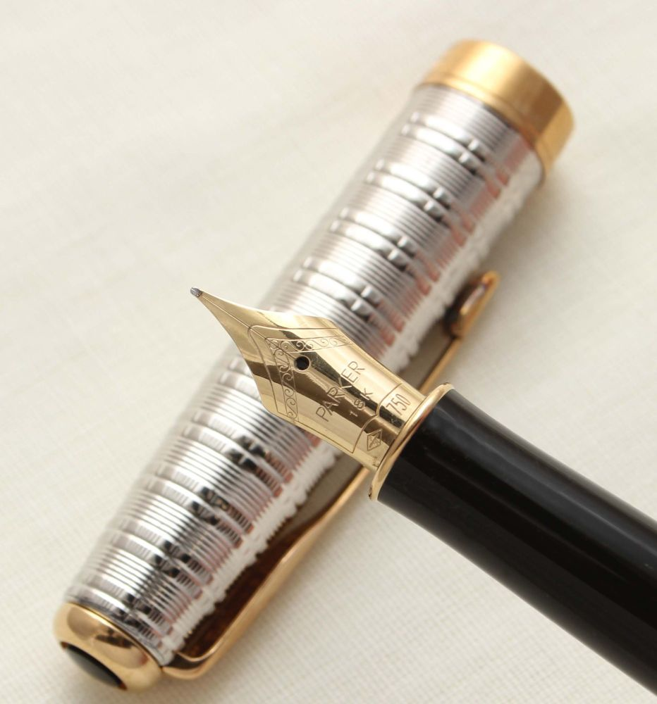 9408 Parker Sonnet Fountain Pen in Tartan GT. 18ct Fine Nib.
