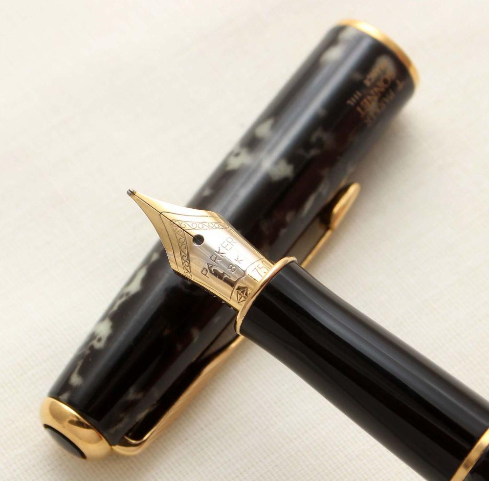 9414 Parker Sonnet Fountain Pen in Laque Moonbeam. 18ct Fine Nib.