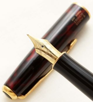 9416 Parker Sonnet Fountain Pen in Laque Firedance. 18ct Medium Nib.