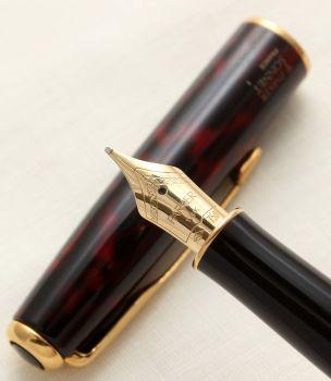 9417 Parker Sonnet Fountain Pen in Laque Firedance. 18ct Medium Nib.
