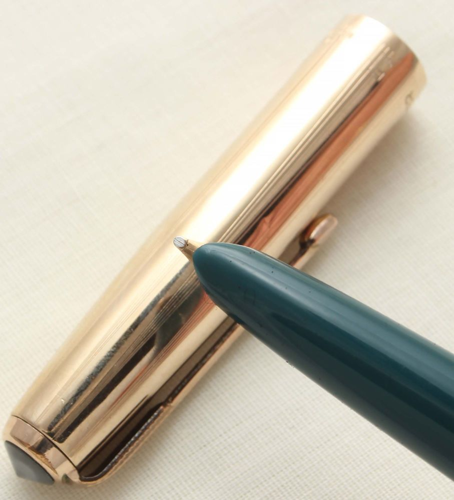 9435. Parker 51 Aerometric in Teal Blue with a Rolled Gold Cap, Smooth Broa