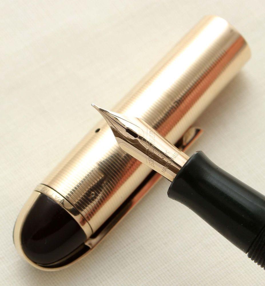 9464 Wahl Eversharp Skyline Fountain Pen in Dark Green. Fine Semi Flex FIVE