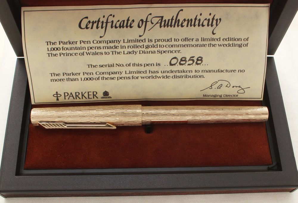 9476. Parker 105 Royal Wedding Limited Edition Commemorative Pen. Mint and