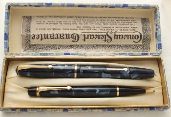 9475 Conway Stewart No.14 Fountain Pen and No.3 Nippy Propelling Pencil Set in Blue Marble, Superb Broad FIVE STAR nib. Mint and Boxed.