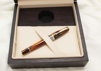 9529 Montegrappa Extra 1930 Fountain Pen in Turtle Brown. Medium FIVE STAR Nib. Mint and Boxed.