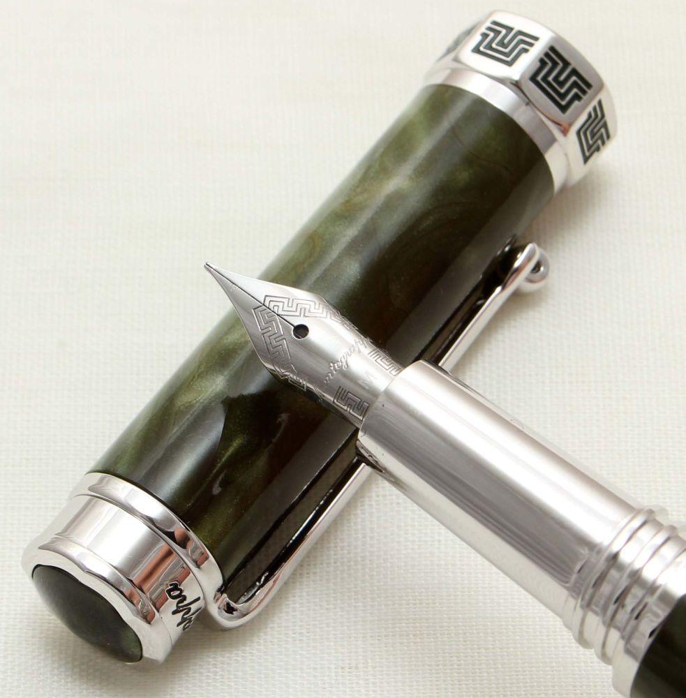 9530 Montegrappa Espressione Fountain Pen in Green Marble. Medium FIVE STAR