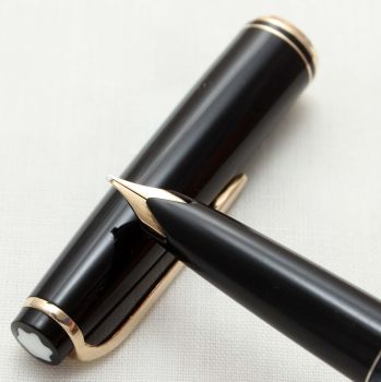 9518 Montblanc No.22 Piston filling Fountain Pen in Classic Black. Medium FIVE STAR Nib.