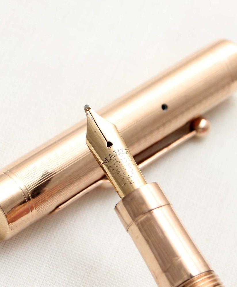 9525 - Swan (Mabie Todd) Self Filling Fountain Pen in Solid 9ct Gold. Mediu