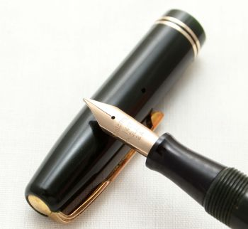 9604 Watermans 512 Fountain Pen in Dark Green. Smooth Fine Semi Flex FIVE STAR Nib.