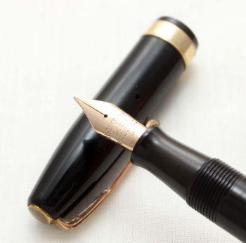 9612 Watermans 515 Fountain Pen in Black, Fine Semi Flex FIVE STAR Nib.