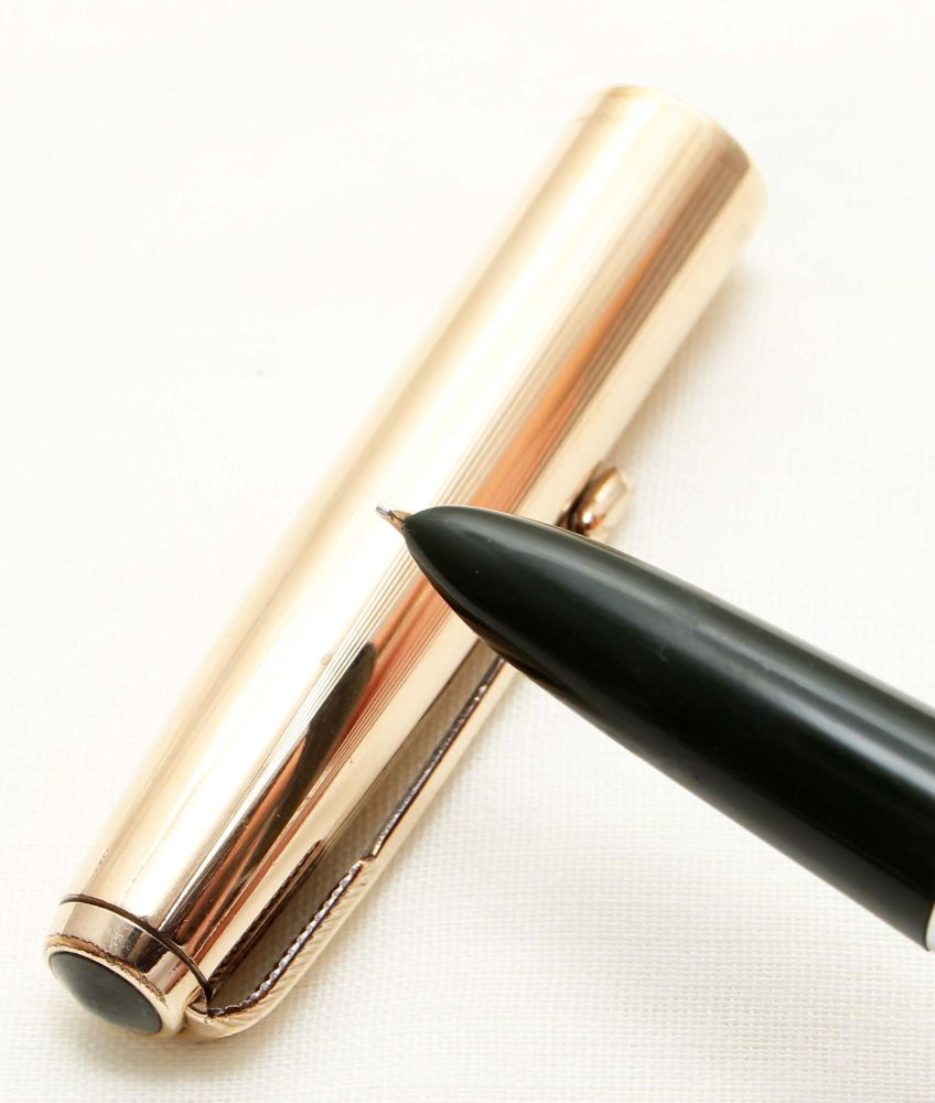 9619. Parker 51 Aerometric in Forest Green with a Rolled Gold Cap, Smooth M