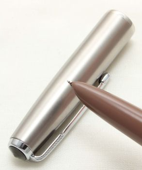 9622. Parker 51 Aerometric in the rare Cocoa with a Lustraloy Cap, Smooth Fine FIVE STAR Nib.