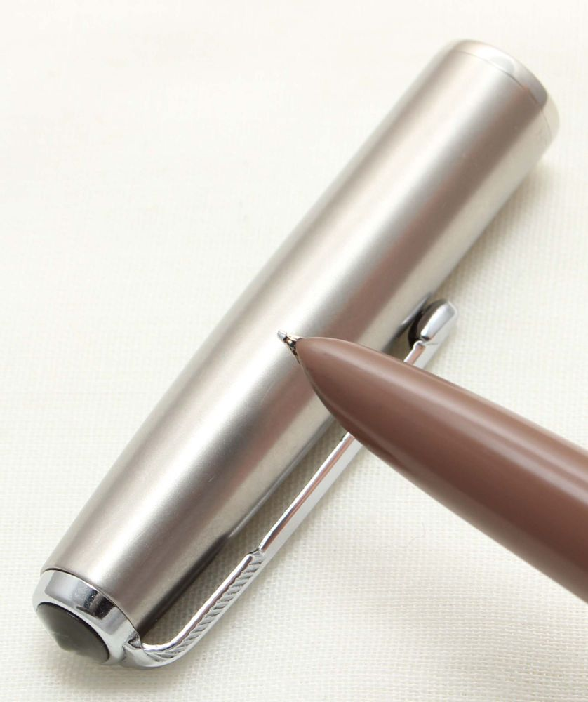 9622. Parker 51 Aerometric in the rare Cocoa with a Lustraloy Cap, Smooth F