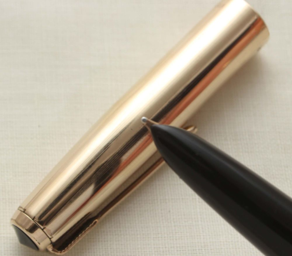 9627 Parker 51 Aerometric in Black with a Rolled Gold Cap. Smooth Fine Nib.