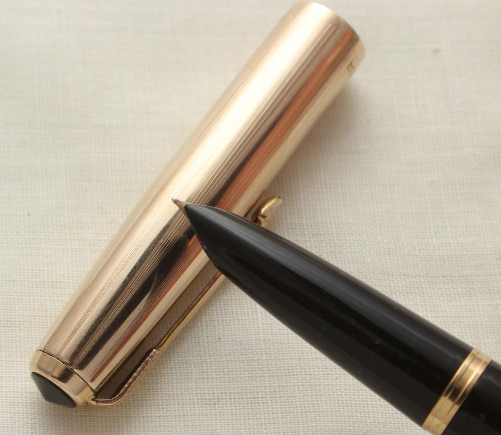 9629 Parker 51 Vacumatic in Black with a Rolled Gold Cap. Smooth Fine side
