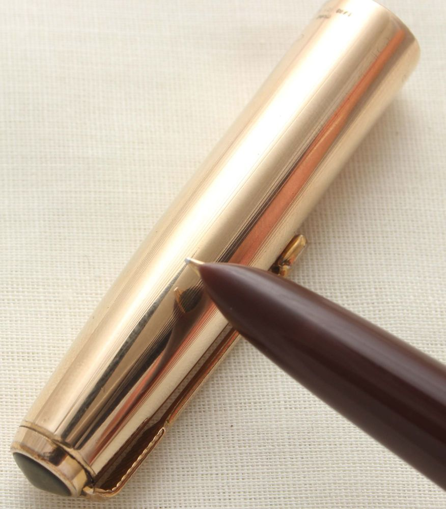 9641 Parker 51 Vacumatic in Cordovan Brown with a Rolled Gold Cap. Smooth F