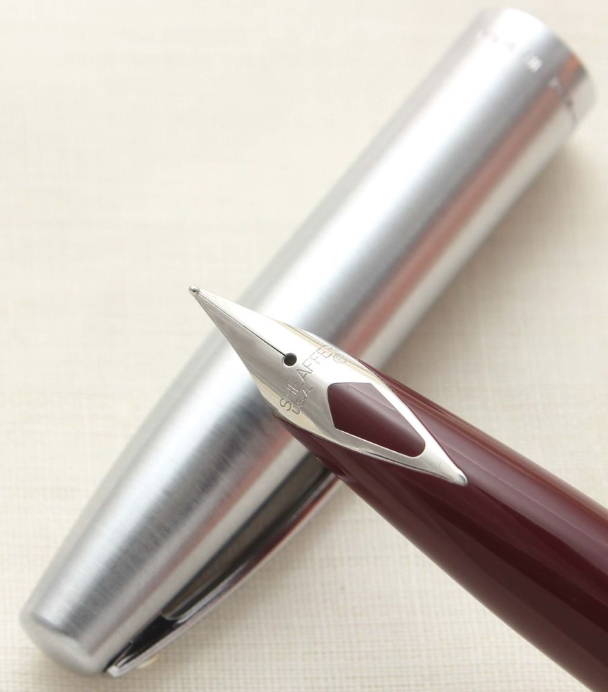 9707 Sheaffer Imperial Fountain Pen in Burgundy, Smooth Fine FIVE STAR Nib.