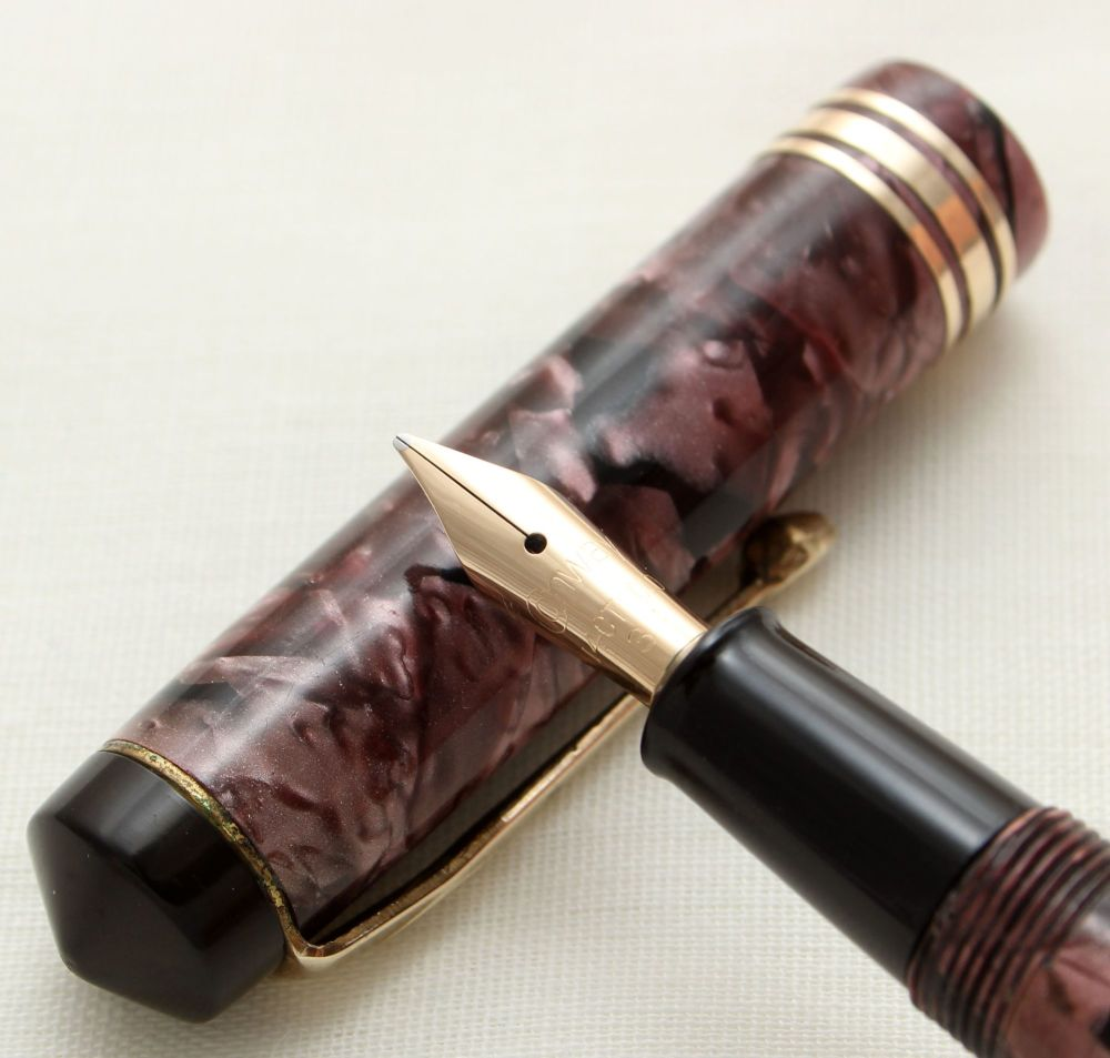 9724 Conway Stewart No.388 in Lilac Marble. Fine FIVE STAR Nib.