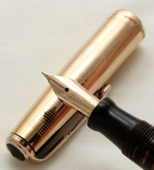 9744 Parker Vacumatic Major Fountain Pen in Golden Pearl with an 18ct solid gold overlay. Extra Fine Nib.