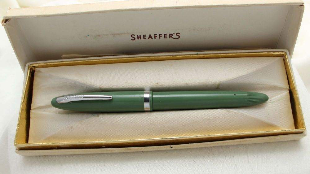 9761 Sheaffer Snorkel Filling Fountain Pen in Pastel Green, c1952, Smooth F