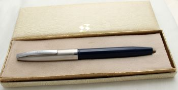 9762 Sheaffer Imperial Touchdown Fountain Pen in Blue, Smooth Medium Fine FIVE STAR Nib. Mint and Boxed.