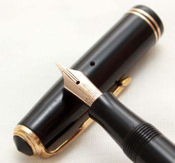 9774 Parker Vacumatic Slender Junior Fountain Pen in Black, Fine Italic FIVE STAR Nib.