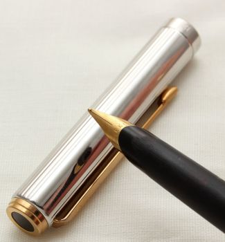 9754 Parker 95 Fountain Pen in Fluted Polished Chrome. Fine Nib.