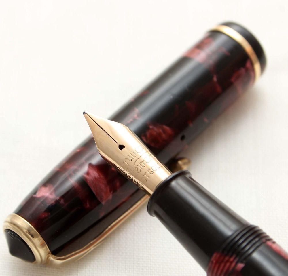 9825 Conway Stewart No.28 in Burgundy Marble. Smooth Medium Italic FIVE STA