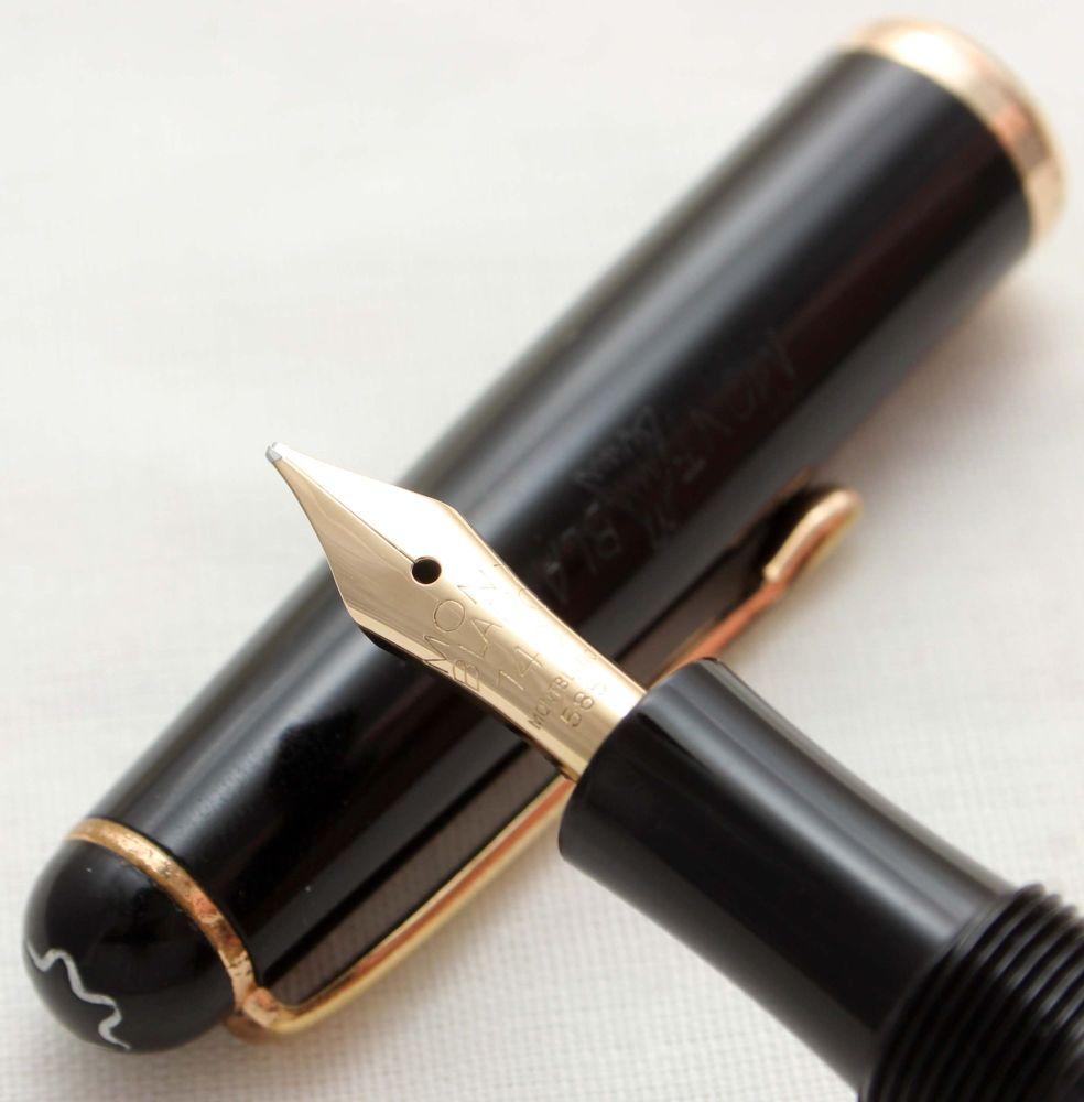 9843 Montblanc No.3-42G Piston filling Fountain Pen in Classic Black. Broad