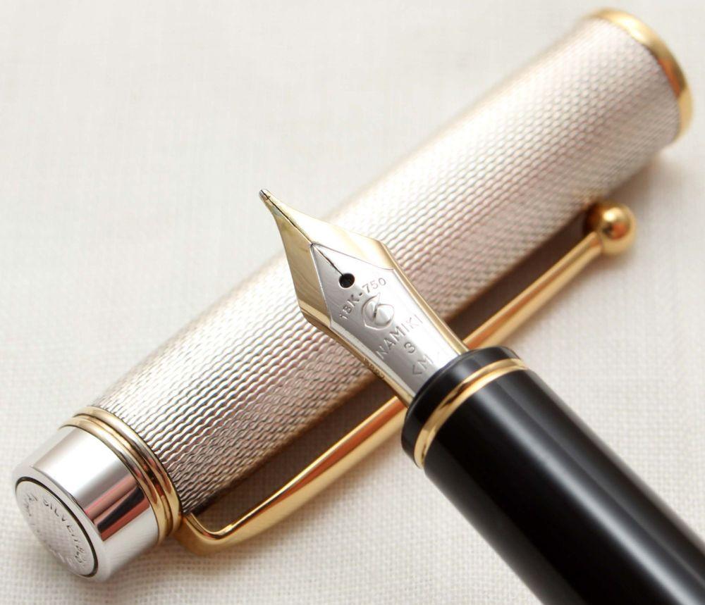 9874 Pilot Namiki Sterling Silver Fountain Pen. Smooth 18ct Medium FIVE STA