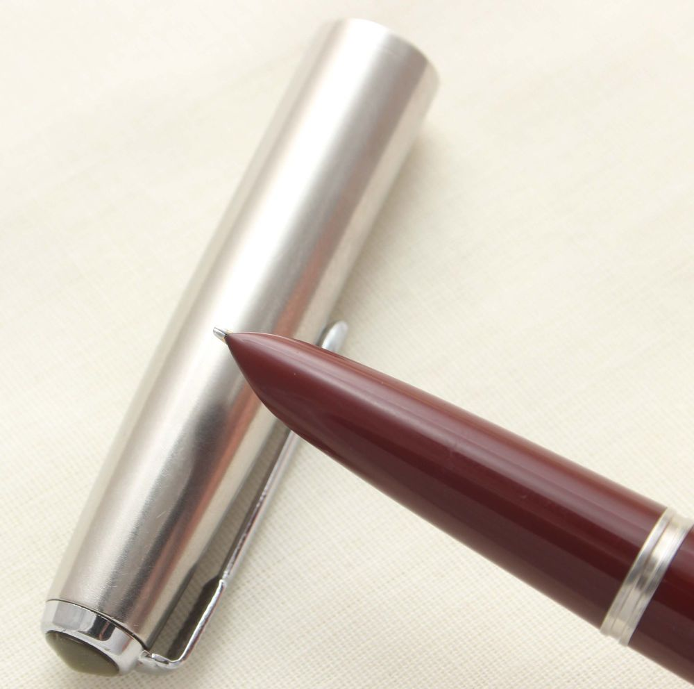 9908. Parker 51 Aerometric in Burgundy with a Lustraloy Cap, Smooth Fine si