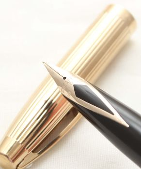 9910 Sheaffer Imperial Fountain Pen in Black, Smooth Extra Fine Nib.