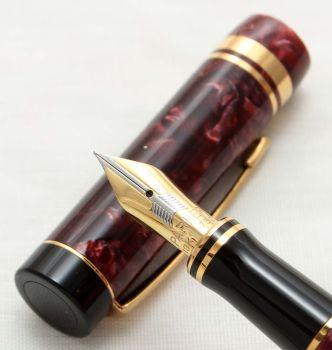 9915 Parker Duofold Centennial Fountain Pen in Burgundy Marble,  Medium FIVE STAR Nib.