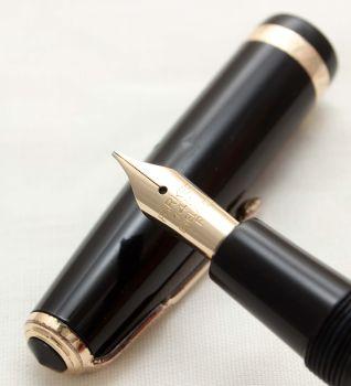 9919 Parker Duofold in Black. Smooth Medium FIVE STAR Nib.