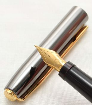 9954 Elysee Caprice Fountain Pen in Grey Lacquer. Medium Nib.