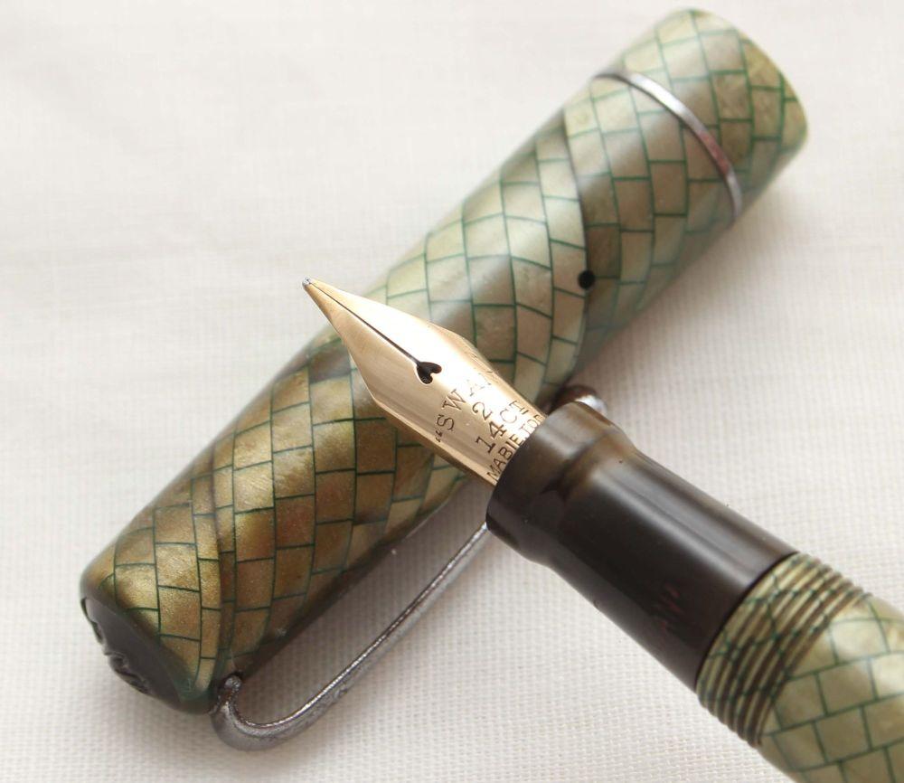 9958 Swan (Mabie Todd) Self Filling Fountain Pen in Green Snakeskin. Smooth