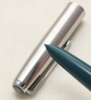 9957 Parker 51 Aerometric in Teal Blue with a Lustraloy Cap, Smooth Medium Italic FIVE STAR Nib.