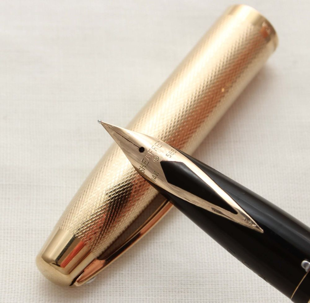 9979 Sheaffer Imperial Fountain Pen in Gold Plated Fine Barley, Smooth Fine
