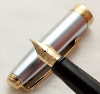 9980 Sheaffer Prelude in Brushed Steel with Gold Trim. Smooth Fine Nib.