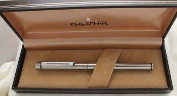 3046 Sheaffer Targa 1001 Fountain Pen in Brushed Chrome. Medium FIVE STAR Nib. Mint and Boxed.